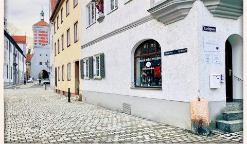 Ulrichsviertel, Keramik bemalen gegenüber der Puppenkiste